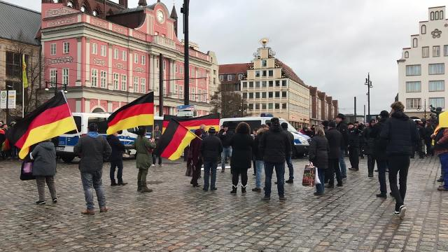 Rostocker AfD demonstriert gegen linke Gewalt (Video: André Wornowski | 11.01.2019)